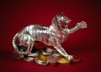 Статуэтка тигр серебряный с монетами