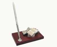 Настольный набор с ручкой и книгами
