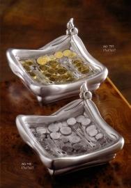Пепельница с монетами